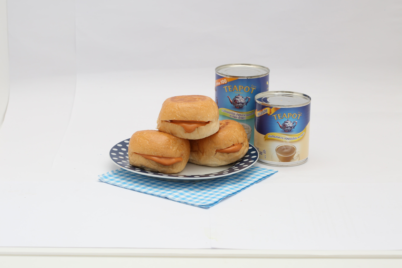 ขนมปังไส้ไหล ไส้ชาไทย